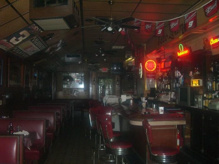 4.2. ECCO Lounge, Jefferson City