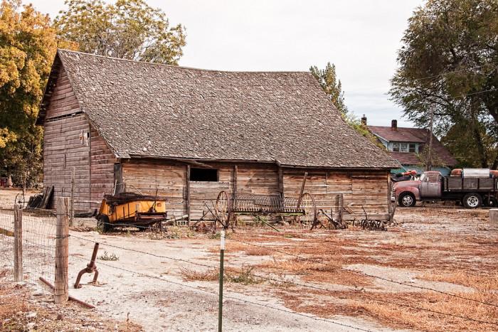 19 Beautiful Weathered Old Barns In Idaho