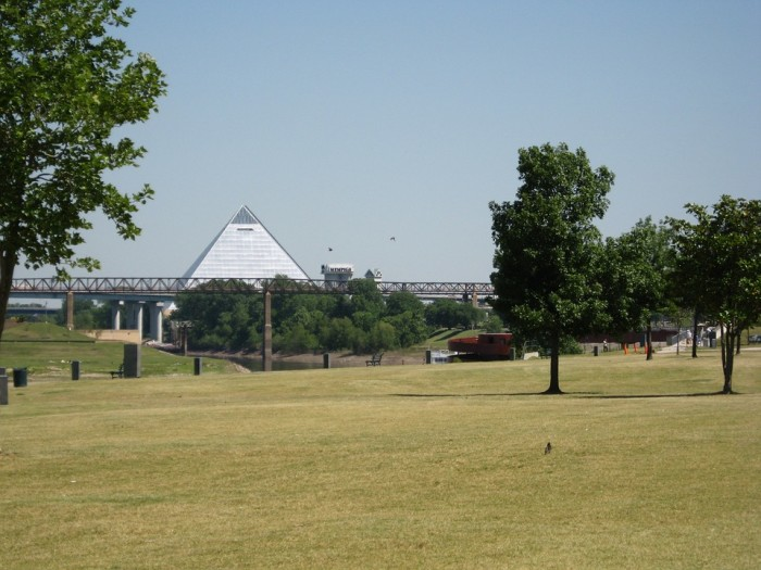 5) A view of the Memphis pyramid
