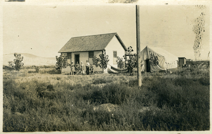 12. A typical farm house in Caldwell, 1910
