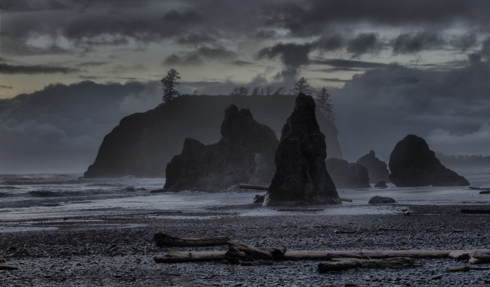 4. This dark photo of Ruby Beach after hours looks like it came straight out of a horror story.
