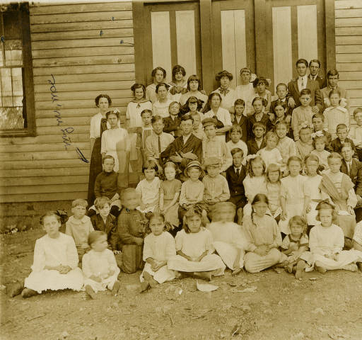 6) A group of young ones at the Spring Hill School Group, sometime in the early 1900's