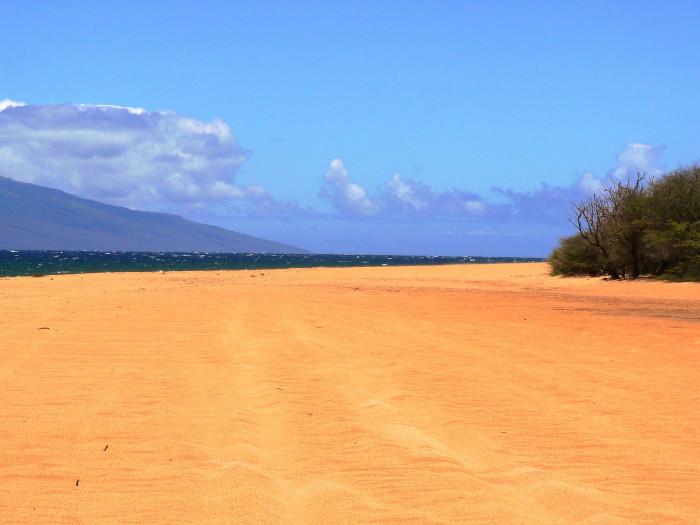 6) Polihua Beach