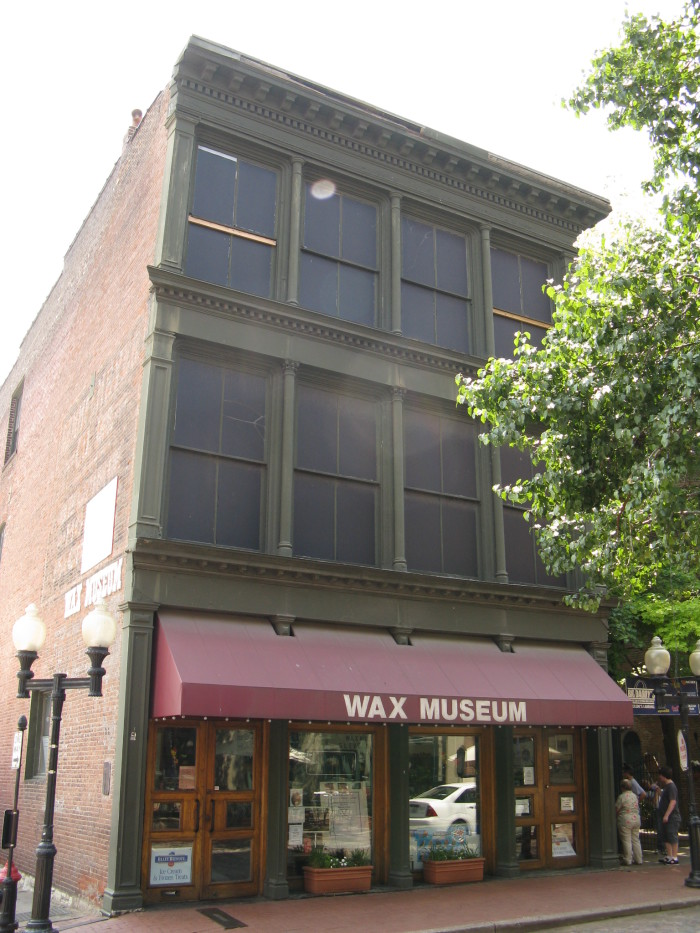 7.Laclede's Landing Wax Museum of St. Louis