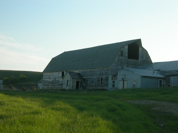 7. A large old barn on the Sheyenne River National Scenic Byway