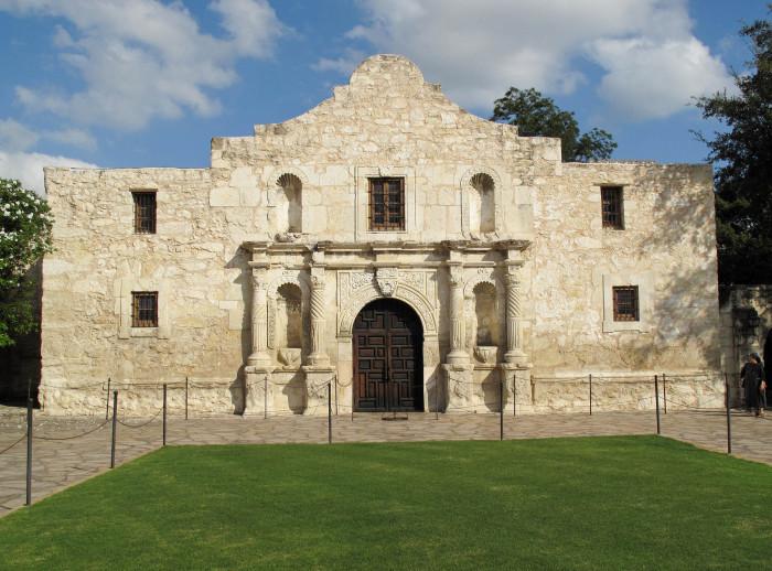 14. Tour the historic Alamo in downtown San Antonio