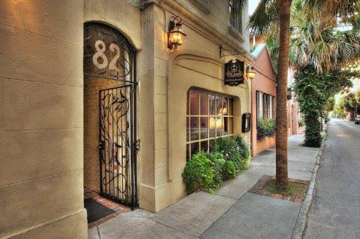 Queen Restaurant In Charleston South Carolina