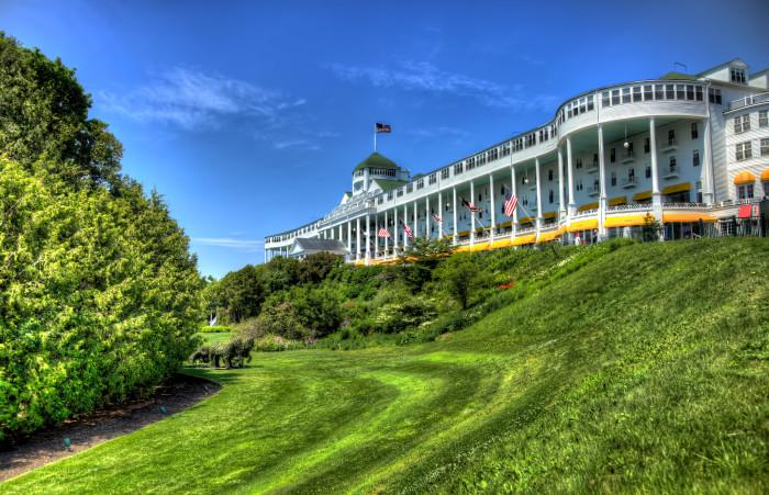 7) Mackinac Island attracts tourists worldwide