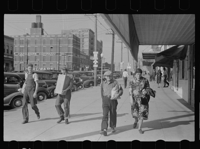 6. Farmers in town on Saturday afternoon, Lincoln, Nebraska - 1938