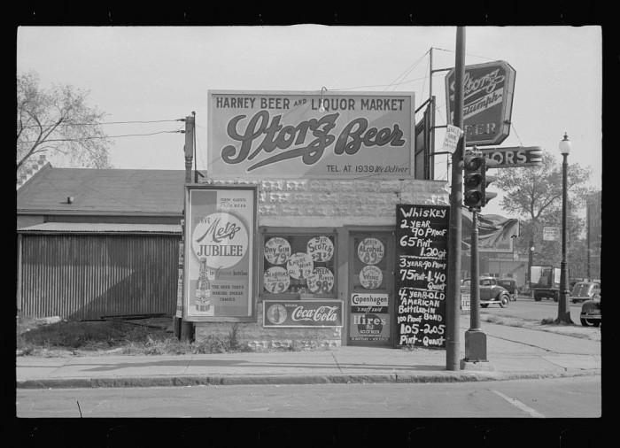 10. Liquor store, Omaha, Nebraska - 1938