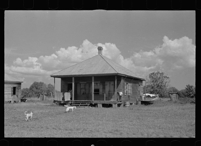 12 photographs of homes in louisiana during the 1930 39 s for Home builders in south louisiana