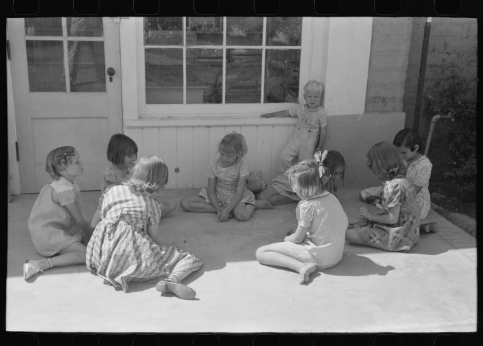 1. A childhood before TV and video games? When kids weren't in school or helping around the house or on the farm, they played games like jacks.