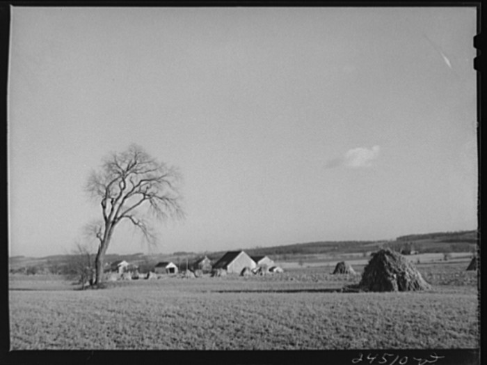 6. You can see this farm from afar in Lancaster County, 1941.