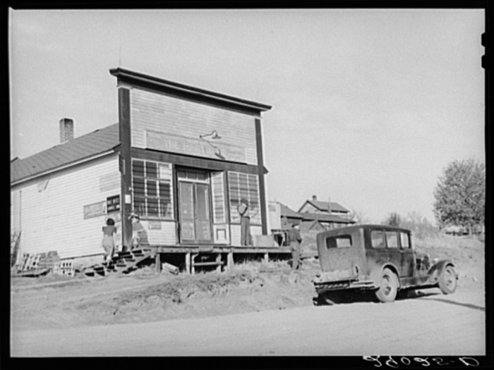 14. A general store, which also served as a post office, coffee shop, clothing store, shopping mall, and grocery store.