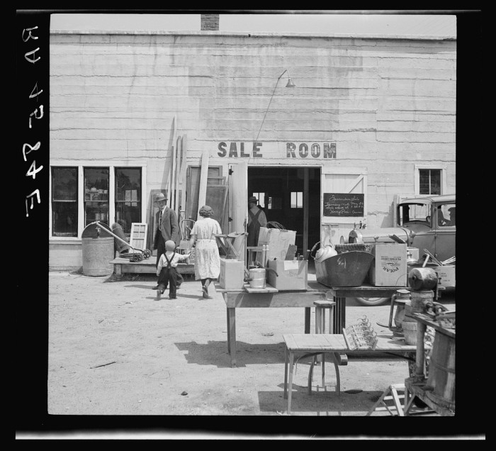 32. Auction. Farmer after farmer in the drought area is forced to see his few possessions to go on the block of the auctioneer as drought drives him from his homestead and makes him a propertyless migrant - 1936