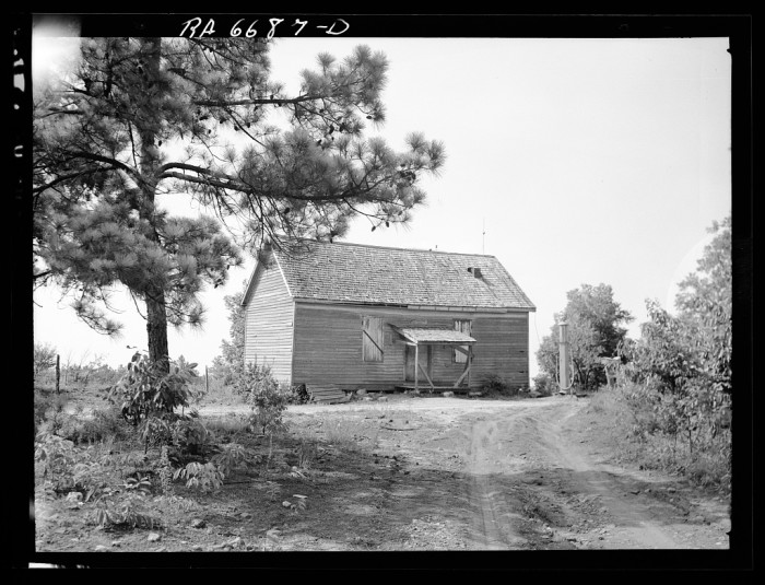 8. Operating general store on Hell's Half Acre, project area of Plantation Piedmont agricultural demonstration project, near Eatonton, Georgia. - June 1936