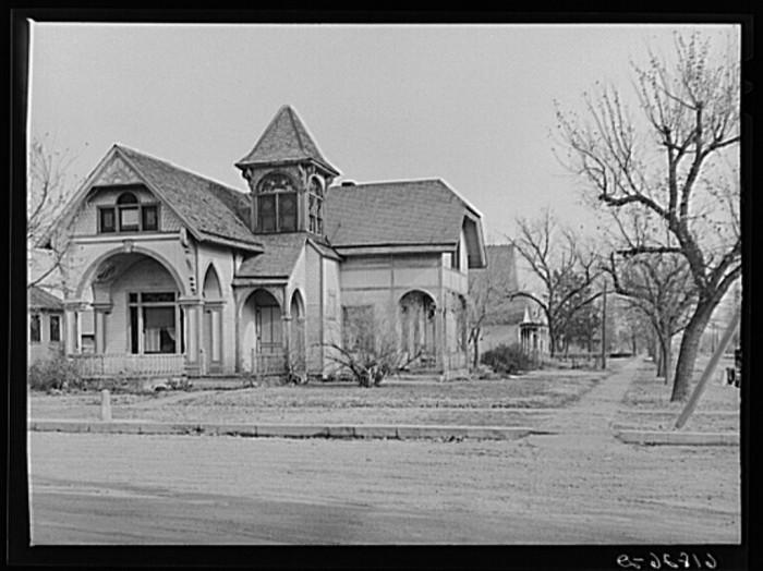 18. A large, ornate house in Kearney - 1940.