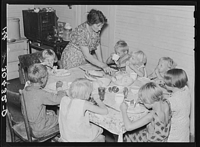 "9. ""Family of Olaf Fugelberg, farmer. Williams County, North Dakota"""