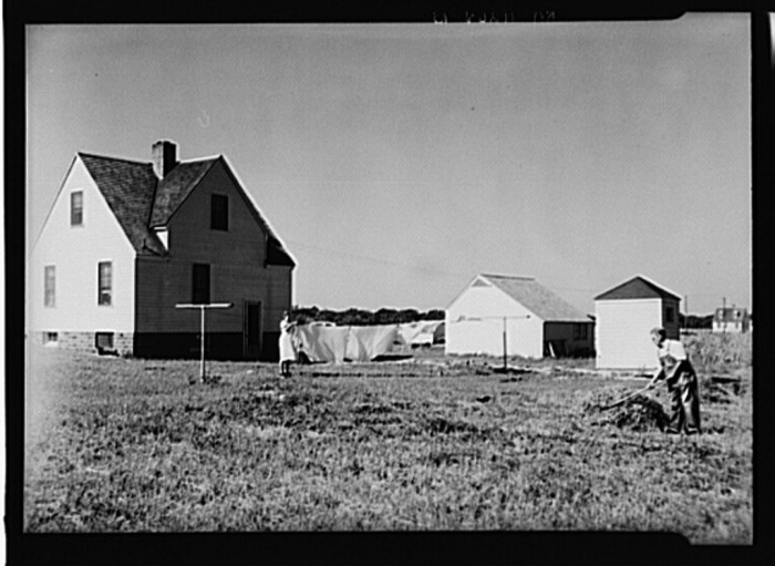 14. These homesteaders near Granger were able to start a small farm with the help of the Resettlement Act.