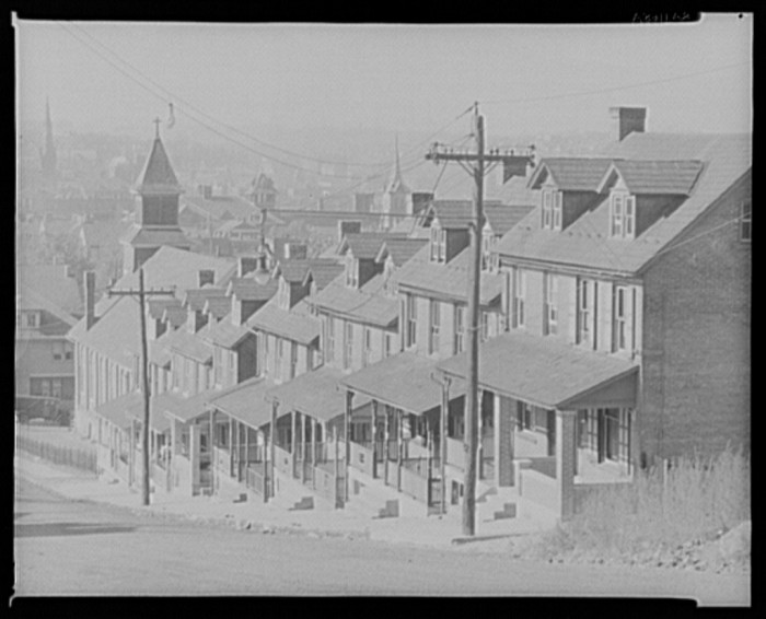 1. These row houses in Bethlehem don't look too different from what you might see today, even though this photograph was taken in 1935.
