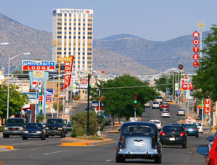 8. Albuquerque (population 553,684)