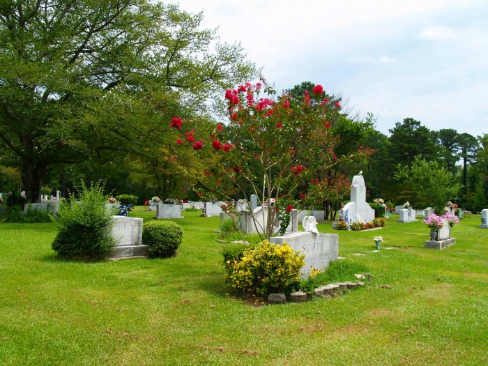 6. Crestwood Memorial Cemetery - Gadsden