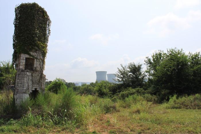 9. Local Inn Ruins (Chimney) - Bellefonte, AL