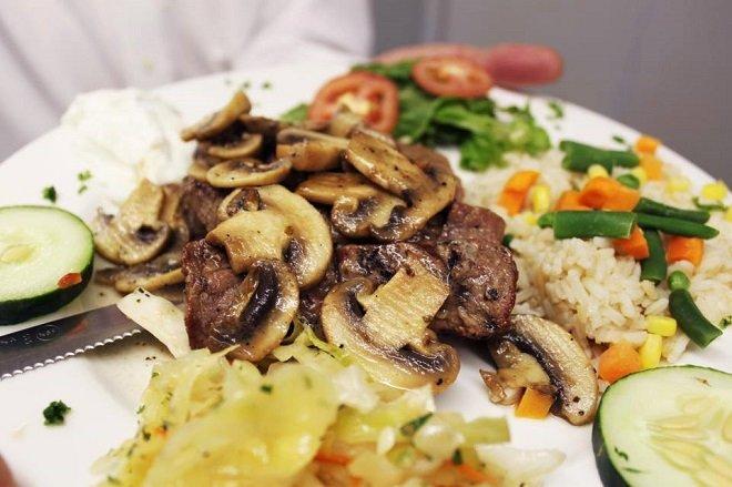 Anna's Greek Restaurant food.