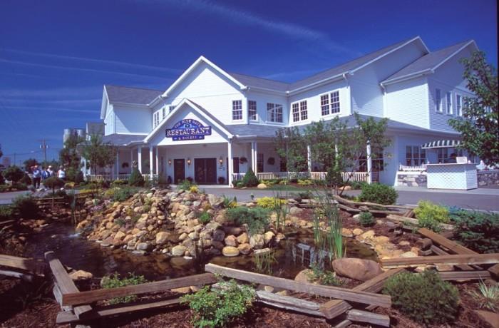 7. Blue Gate Restaurant (Shipshewana)