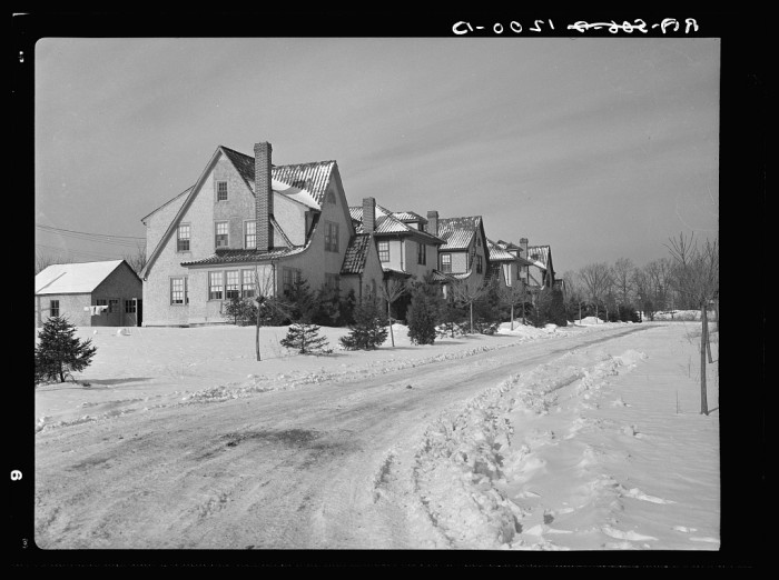 3. Though this photo was taken in 1936, it could just as easily have been snapped today. These lovely homes were (and may still be!) located in Bound Brook.