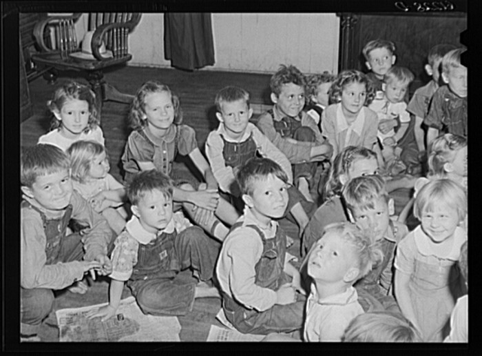 7) Children of migrant fruit workers in nursery school run by Women's Council for Home Missions, Berrien County, July 1940.