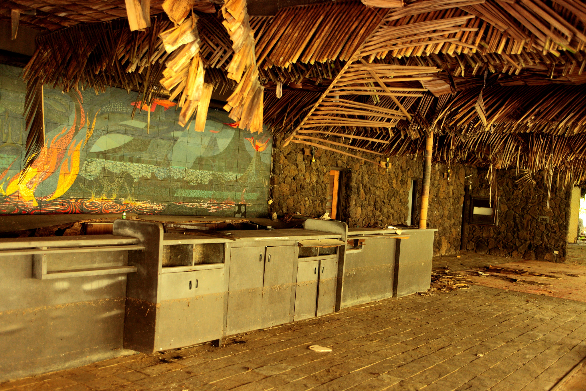 Nature Is Reclaiming This Abandoned Hawaii Resort