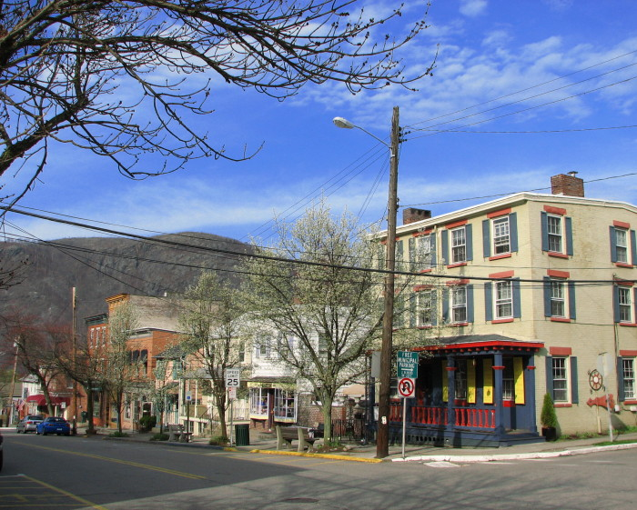 here are 10 charming small towns in new york