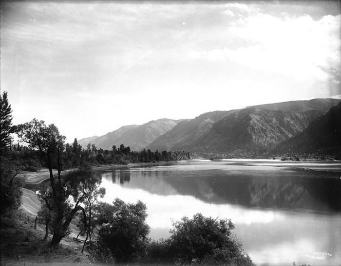 3. The Columbia River just below the Cascades, as seen in 1913.