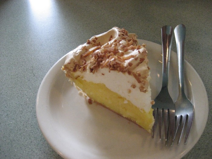 Get mouth watering pie at these kentucky restaurants