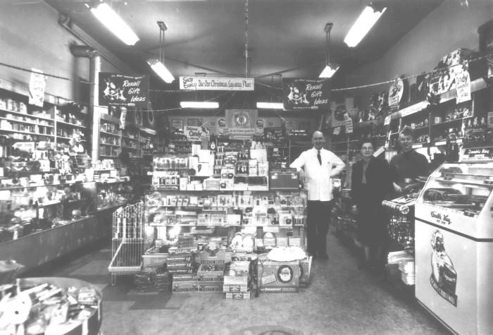 8. Dean's Drug Store in Beaverton, 1950.