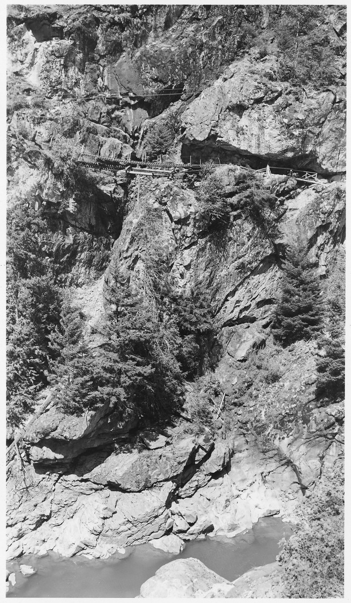 2. This incredible photo shows the Devil's Elbow Trail by the Skagit River in 1955.