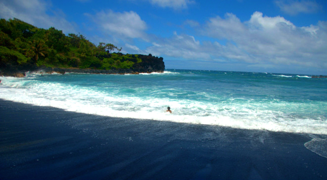 Sand in Hawaii Colored Jaw-Dropping 8 Beaches