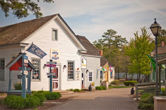 5. Historic Smithville and The Village Green, Smithville