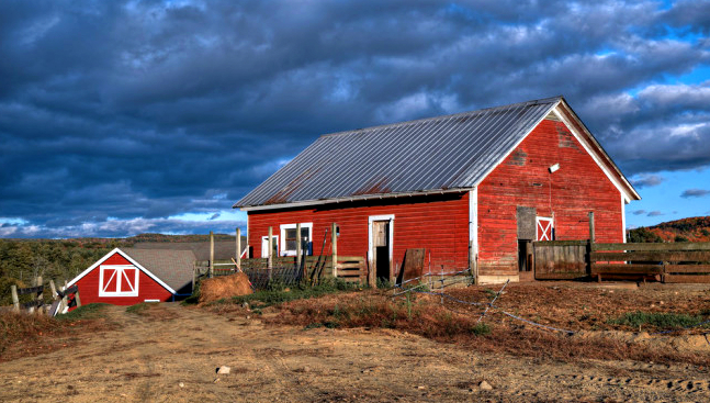 You Will Fall In Love With These 15 Beautiful Old Barns In ...