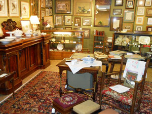 Middleburg-Antiques-Collectibles inside