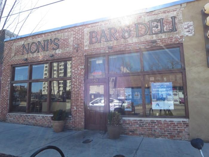 13. Noni's Bar and Deli