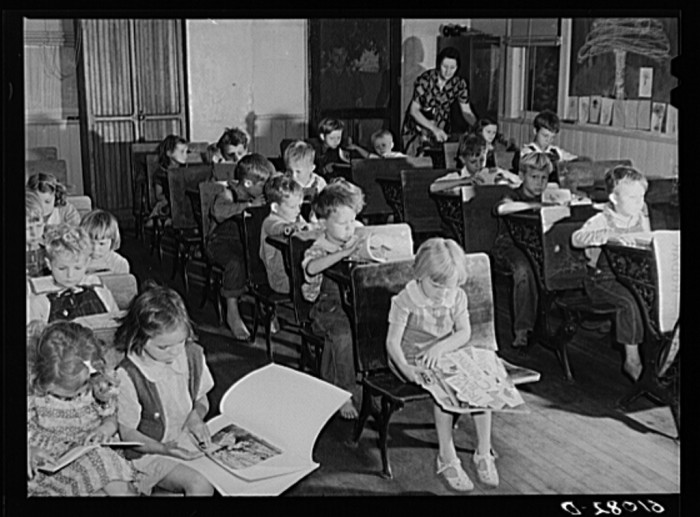 3) Nursery school operated for migratory children by Women's Council for Home Missions, Berrien County, July 1940.