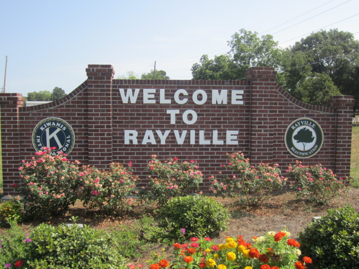 14) Rayville, LA—Giving ratio: 4.58%, Median Contribution: $5,760