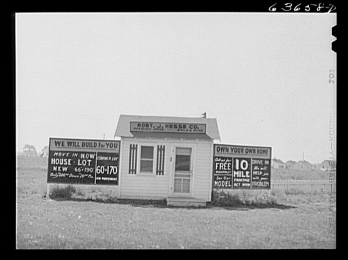 6) Real estate office in the outskirts of Detroit, August 1941