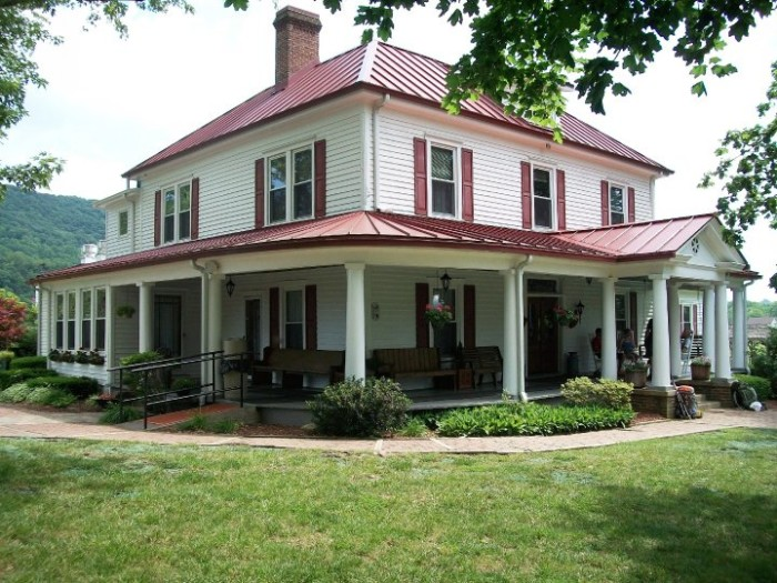 2. The Homeplace, Catawba