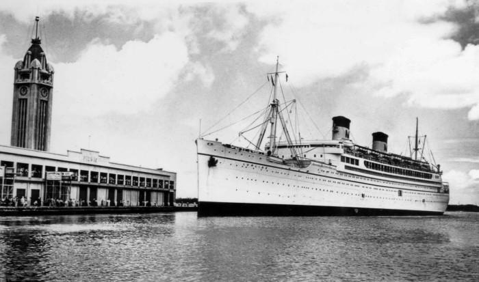 12) The SS Lurline, a Matson passenger ship, approaches Pier 10 in Honolulu Harbor.