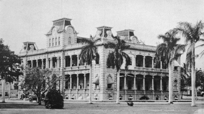 8) The only royal palace on United States soil, Iolani Palace is a place of infamy.