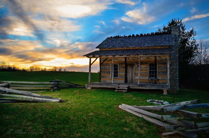 8. This cabin in Cumberland Gap could be in a historic movie.