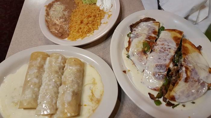 Tres Hermanos Nunez food.